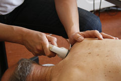 Fysiotherapie door ultrasone klank Royalty-vrije Stock Fotografie