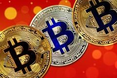 Fysisk version av Bitcoin nya faktiska pengar med färgrik effekt royaltyfria foton