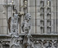 Gárgola de la quimera de Notre Dame de Paris fotos de archivo