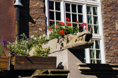 Gárgola en la calle de Mariacka en Gdansk imagenes de archivo