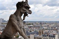 Gárgola en Notre Dame de Paris Foto de archivo libre de regalías
