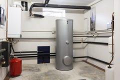 Gás de condensação da caldeira na sala de caldeira fotos de stock royalty free