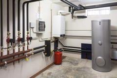 Gás de condensação da caldeira na sala de caldeira foto de stock royalty free