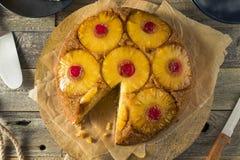 Gâteau à l'envers d'ananas fait maison doux Images libres de droits