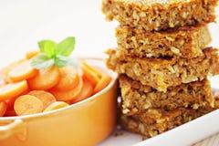 Gâteau à la carotte avec la noix de coco Images stock