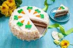Gâteau à la carotte de Pâques images libres de droits