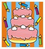 Gâteau à trois niveaux avec des bougies Photos stock