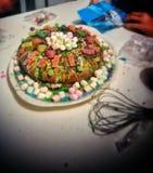Gâteau aigre doux de sucrerie de N photos libres de droits
