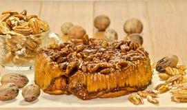 Gâteau au café savoureux de noix de pécan de lustre Image libre de droits