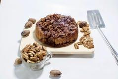 Gâteau au café savoureux de noix de pécan de lustre Images libres de droits