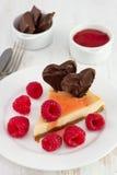 Gâteau au fromage avec des framboises, bourrage Images libres de droits