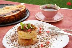 Gâteau au fromage avec des morceaux de poire Photo libre de droits