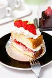 Gâteau au fromage avec les fraises fraîches Photo stock