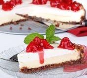 Gâteau au fromage coupé en tranches Images libres de droits