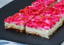 Gâteau au fromage cru de framboise de Vegan Images stock