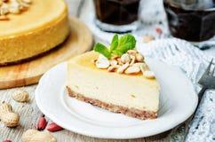 Gâteau au fromage de beurre d'arachide photos stock