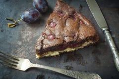 Gâteau au fromage de 'brownie' de chocolat sur le fond foncé Foyer sélectif photographie stock