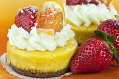 Gâteau au fromage de mangue Photographie stock libre de droits