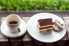Gâteau au fromage et café Photographie stock libre de droits