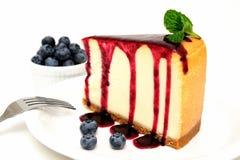 Gâteau au fromage et myrtilles Photos libres de droits