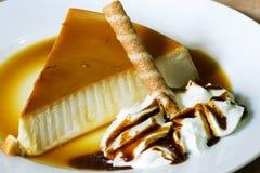 Gâteau au fromage fait maison photo libre de droits