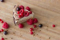 Gâteau avec des baies Photo stock