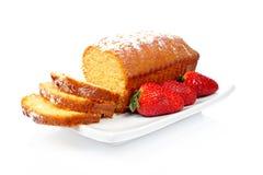 Gâteau avec des fraises Images libres de droits