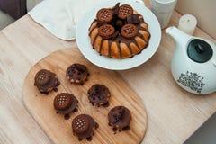 Gâteau avec du chocolat Photos libres de droits
