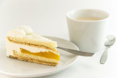 Gâteau avec la configuration de café Images stock