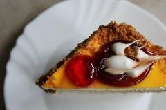 Gâteau avec la glaçure photo libre de droits
