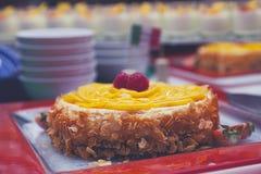 Gâteau avec la mousse orange Photo stock