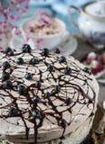 Gâteau Casis Image sensible avec les fleurs roses photos libres de droits