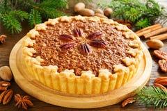 Gâteau classique américain avec des noix de pécan Photo stock