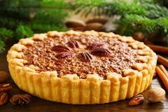 Gâteau classique américain avec des noix de pécan Photos stock