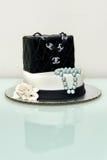 Gâteau classique de fontaine de sac à main de Chanel Photographie stock