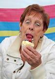 Gâteau coupable de plaisir ! Image stock