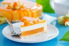 Gâteau crémeux avec la noix de coco photo libre de droits