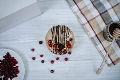 Gâteau cru fait maison Durcissez sans gluten, farine, oeufs, beurre et sans traitement thermique Bar de forme physique de céréale Photo libre de droits