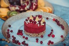 Gâteau cru fait maison Durcissez sans gluten, farine, oeufs, beurre et sans traitement thermique Bar de forme physique de céréale Photos libres de droits