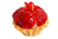 Gâteau délicieux avec la fraise glacée images stock