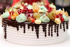 Gâteau délicieux et beau Photos stock