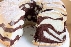 Gâteau délicieux fait maison de zèbre Photo libre de droits