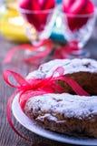 Gâteau d'anneau avec du sucre glace Images libres de droits