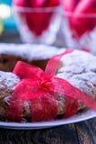 Gâteau d'anneau avec du sucre glace Images stock