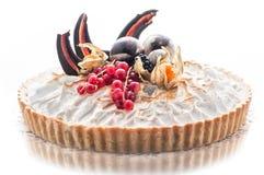 Gâteau d'anniversaire avec la décoration de chocolat, morceau de gâteau crème, pâtisserie, photographie pour la boutique, dessert Image stock
