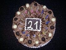 Gâteau d'anniversaire de chocolat Photographie stock libre de droits