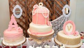 Gâteau d'anniversaire de luxe de bébé Photos libres de droits