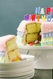 Gâteau d'anniversaire de Pinata Photos libres de droits
