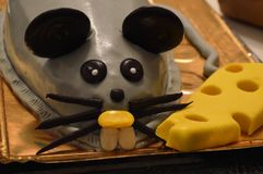 Gâteau d'anniversaire de souris Images stock