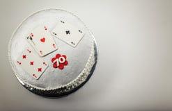 Gâteau d'anniversaire 70 heureux Images stock